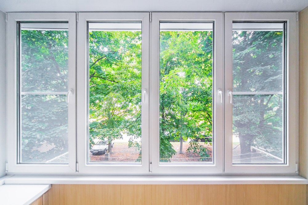 Pros and cons of vinyl and fiberglass windows