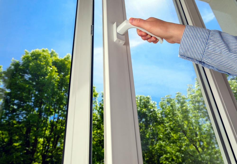 Vinyl window installer in Salt Lake City